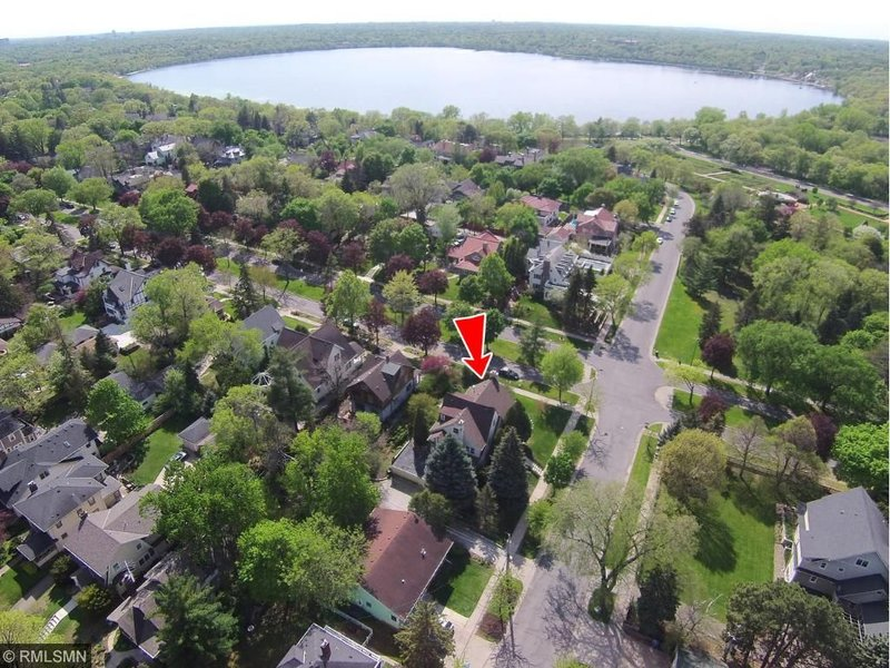 aerial view of homes around 4201 Dupont Avenue South