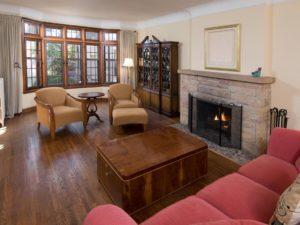 The living room of 4444 W Lake Harriet Parkway 1